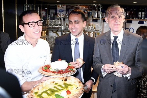 Di Maio e Masset in pizzeria da Sorbillo